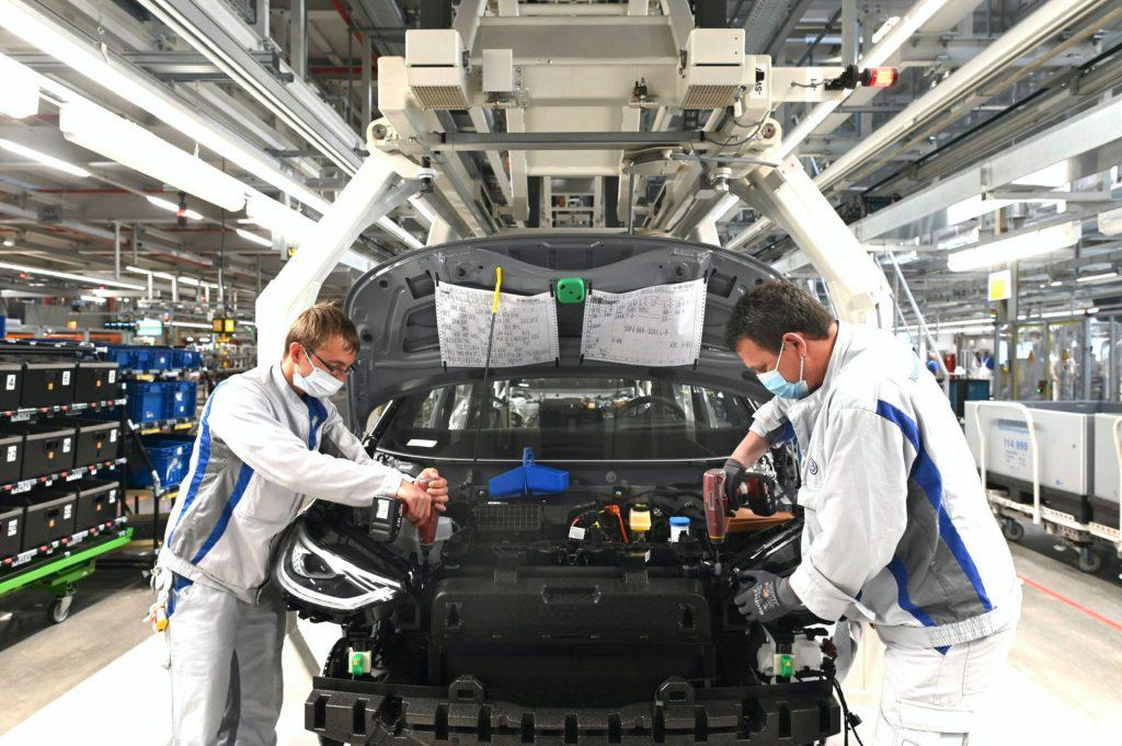 VW-ID.3-production-resumes-in-Zwickau-3-1024x681